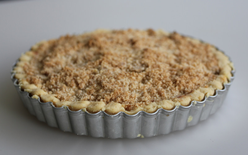 Spiced Pear Crumble Pie